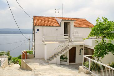 Property Stanići (Omiš) - Accommodation 2765 - Apartments near sea with pebble beach.