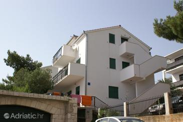 Property Nemira (Omiš) - Accommodation 2771 - Apartments near sea with pebble beach.