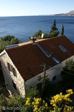 Property Nemira (Omiš) - Accommodation 2776 - Apartments near sea with pebble beach.