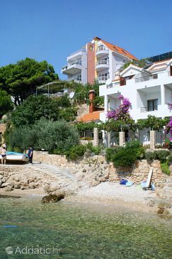 Property Stanići (Omiš) - Accommodation 2797 - Apartments near sea with pebble beach.