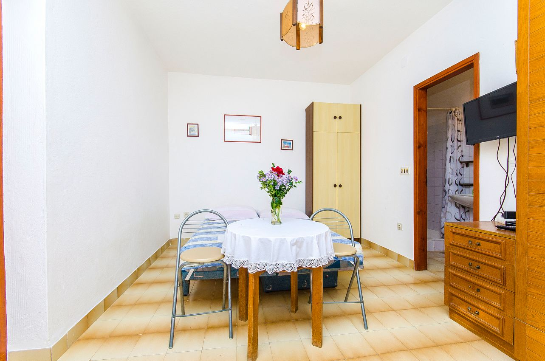 Apartmány s parkoviskom v meste Pisak - 2802