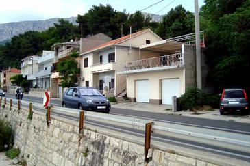 Property Mali Rat (Omiš) - Accommodation 2811 - Apartments and Rooms near sea with sandy beach.
