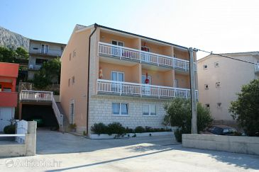 Stanići, Omiš, Property 2818 - Apartments with pebble beach.