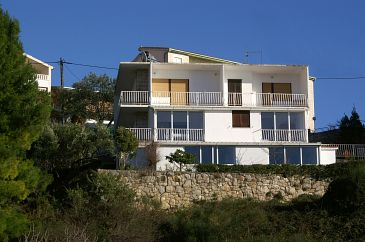 Property Nemira (Omiš) - Accommodation 2828 - Apartments near sea with pebble beach.