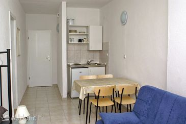 Supetar, Dining room u smještaju tipa studio-apartment, WIFI.