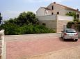 Parking lot Mirca (Brač) - Accommodation 2853 - Apartments near sea with pebble beach.