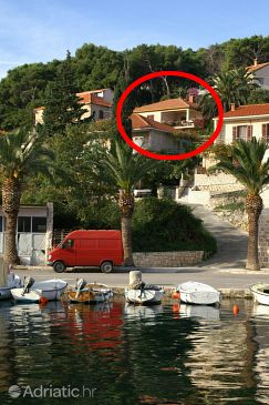 Property Splitska (Brač) - Accommodation 2857 - Apartments with rocky beach.