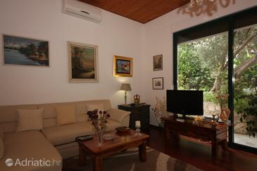 Splitska, Living room u smještaju tipa apartment, dostupna klima.