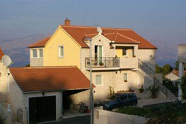 Obiekt Postira (Brač) - Zakwaterowanie 2910 - Apartamenty ze żwirową plażą.