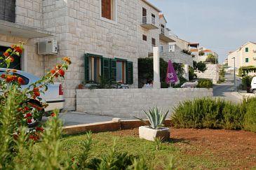 Property Postira (Brač) - Accommodation 2913 - Apartments with pebble beach.