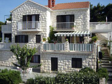 Obiekt Postira (Brač) - Zakwaterowanie 2914 - Apartamenty ze żwirową plażą.