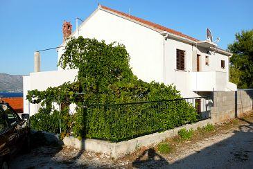 Obiekt Postira (Brač) - Zakwaterowanie 2919 - Apartamenty ze żwirową plażą.