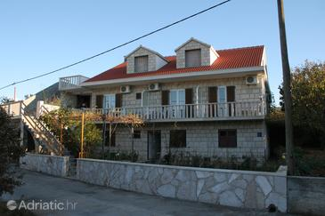 Property Povlja (Brač) - Accommodation 2922 - Apartments with pebble beach.