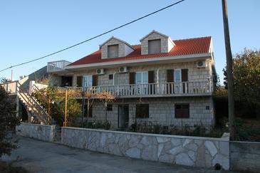 Obiekt Povlja (Brač) - Zakwaterowanie 2922 - Apartamenty ze żwirową plażą.