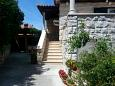 Courtyard Postira (Brač) - Accommodation 2950 - Apartments near sea with pebble beach.