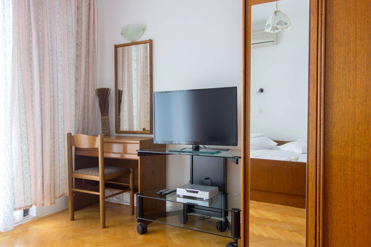 Apartmány s parkoviskom v meste Lokva Rogoznica - 2973