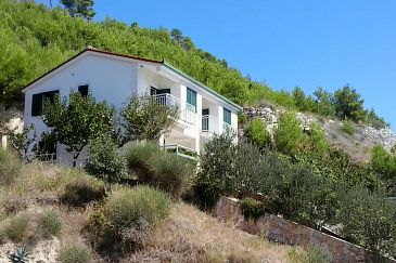 Property Lokva Rogoznica (Omiš) - Accommodation 2974 - Apartments near sea with pebble beach.