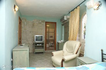Room S-2979-d - Apartments and Rooms Trogir (Trogir) - 2979