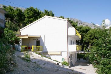 Duće, Omiš, Property 2992 - Apartments blizu mora with sandy beach.
