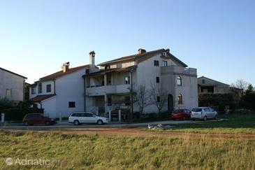 Property Umag (Umag) - Accommodation 3055 - Apartments with sandy beach.