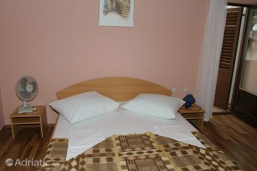 Room S-3056-a - Apartments and Rooms Igrane (Makarska) - 3056