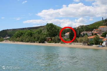 Duće, Omiš, Property 3063 - Apartments and Rooms blizu mora with sandy beach.