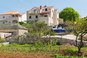 Property Postira (Brač) - Accommodation 3065 - Apartments with pebble beach.