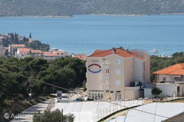 Property Seget Vranjica (Trogir) - Accommodation 3079 - Apartments and Rooms with pebble beach.