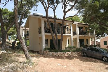 Rogoznica, Rogoznica, Property 3094 - Apartments blizu mora with pebble beach.