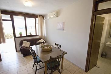 Žrnovska Banja, Dining room u smještaju tipa apartment.