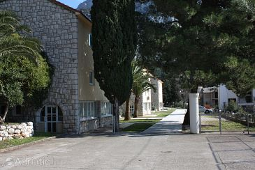 Property Gradac (Makarska) - Accommodation 3186 - Rooms near sea with pebble beach.