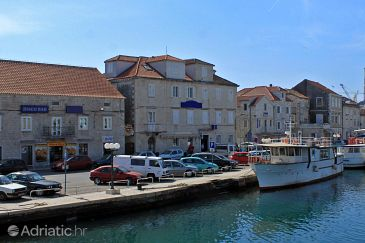 Property Trogir (Trogir) - Accommodation 3201 - Rooms near sea with pebble beach.