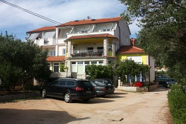 Property Banjol (Rab) - Accommodation 3205 - Apartments near sea with sandy beach.