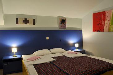 Rab, Bedroom u smještaju tipa room, dostupna klima i WIFI.