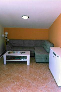 Jadranovo, Living room u smještaju tipa apartment, dostupna klima i WIFI.