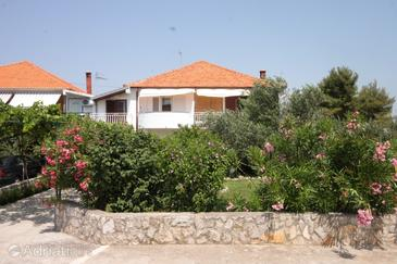 Property Neviđane (Pašman) - Accommodation 325 - Apartments near sea with sandy beach.