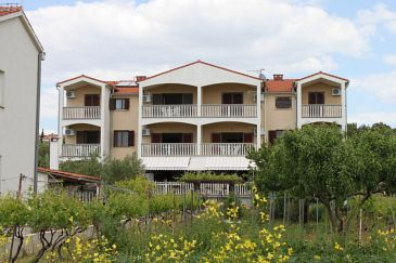 Biograd na Moru, Biograd, Property 3282 - Apartments blizu mora with pebble beach.