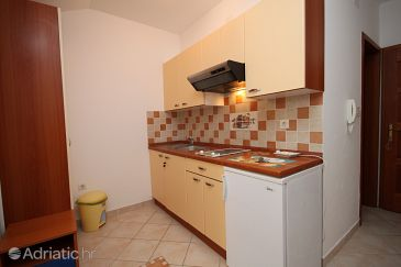 Apartment A-3316-f - Apartments Povljana (Pag) - 3316
