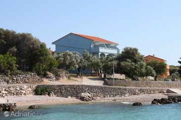 Property Lun (Pag) - Accommodation 3320 - Apartments near sea with pebble beach.