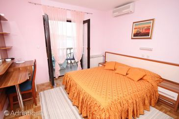 Room S-3322-b - Apartments and Rooms Seline (Paklenica) - 3322