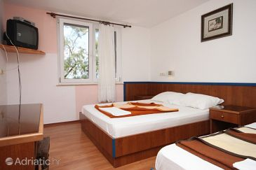 Room S-3329-a - Rooms Drašnice (Makarska) - 3329