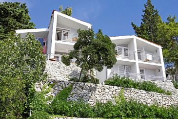 Property Drašnice (Makarska) - Accommodation 3330 - Apartments near sea with pebble beach.