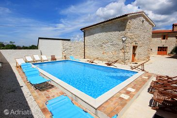 Property Orihi (Središnja Istra) - Accommodation 3334 - Vacation Rentals with pebble beach.
