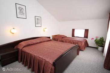 Room S-3335-e - Rooms Starigrad (Paklenica) - 3335