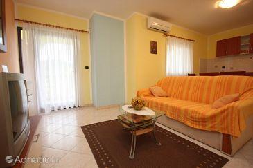 Slavčići, Living room u smještaju tipa apartment, dostupna klima, dopusteni kucni ljubimci i WIFI.