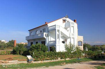 Tkon, Pašman, Property 336 - Apartments and Rooms blizu mora with sandy beach.