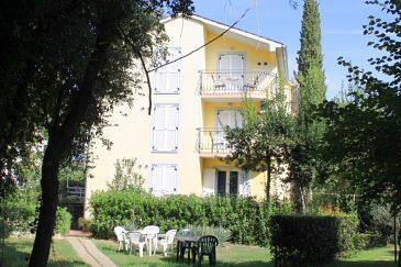 Property Rovinj (Rovinj) - Accommodation 3368 - Apartments with pebble beach.