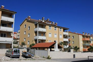 Property Premantura (Medulin) - Accommodation 3392 - Apartments with pebble beach.