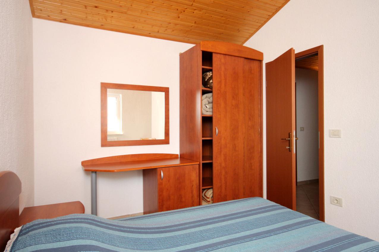 Apartmány s parkoviskom v meste Brseč - 3439