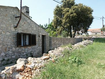 Property Ilovik (Lošinj) - Accommodation 391 - Vacation Rentals near sea with rocky beach.